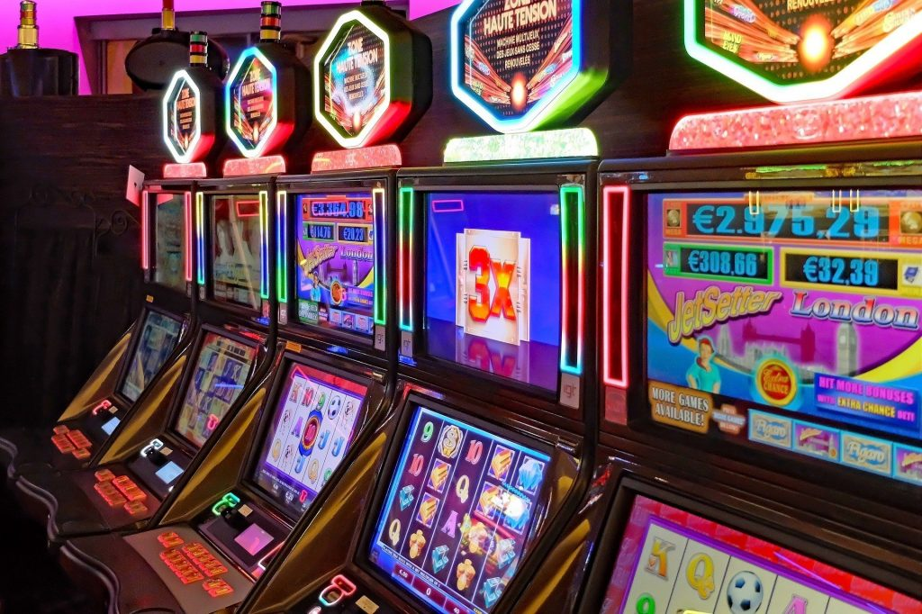 Tips For Playing Jackpot Slots at Your Local Casinos