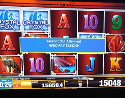 Playing Slot Machines With Huge Jackpots